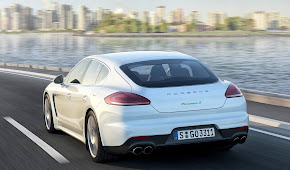 PORSCHE PANAMERA S E-HYBRID