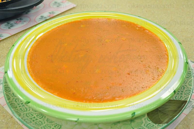 Kıymalı Erişteli Tarhana Çorbası Tarifi Kolay Yapımı