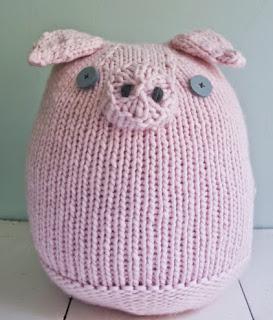 http://translate.google.es/translate?hl=es&sl=en&tl=es&u=http%3A%2F%2Fwww.purlbee.com%2Fthe-purl-bee%2F2012%2F8%2F24%2Fwhits-knits-big-pink-pig.html