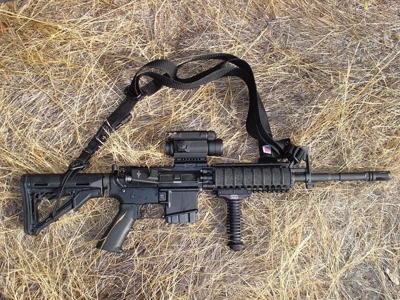 Colt M4 5.56 mm (Senapan Serbu)