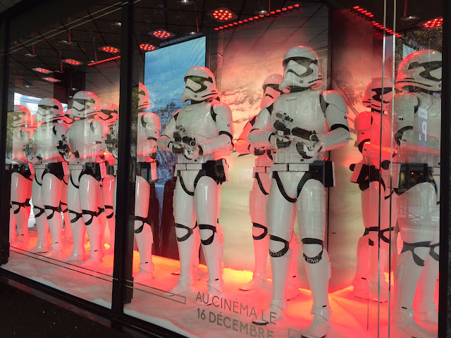 Stormtrooper holiday window at Galeries Lafayette, 2015