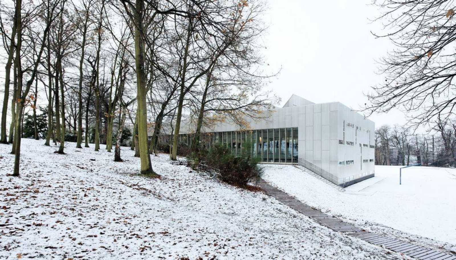 Uvsq science library by badia berger architectes for Architecte versailles