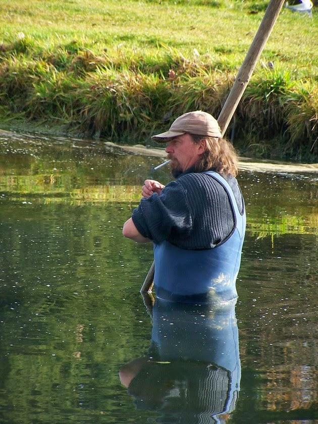 Obsluha rybárny a sádek
