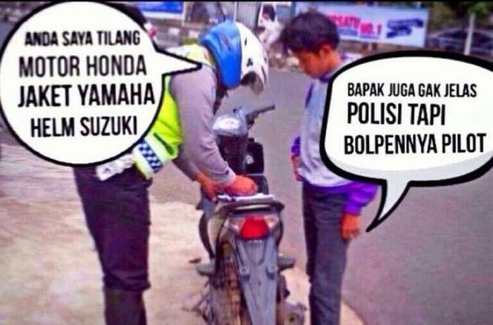Motornya Honda, Jaketnya Yamaha, Helmnya Suzuki. Maunya apa!??