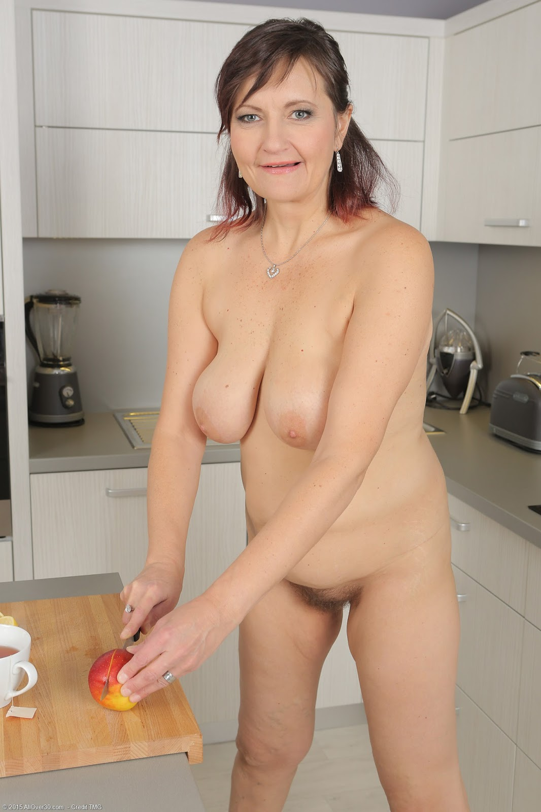 Mature asian mom pussy