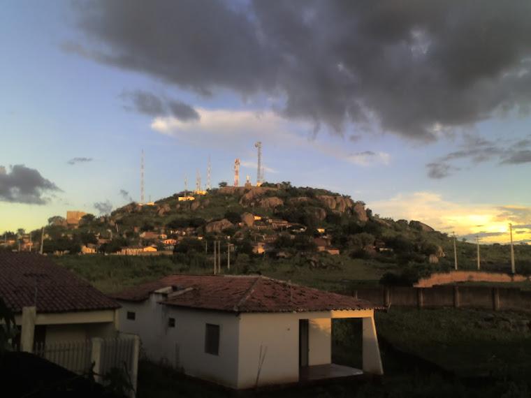 VISTA DO CRISTO DE CAJAZEIRAS NA DIMENSÃO DA AVENIDA  PRINCIPAL