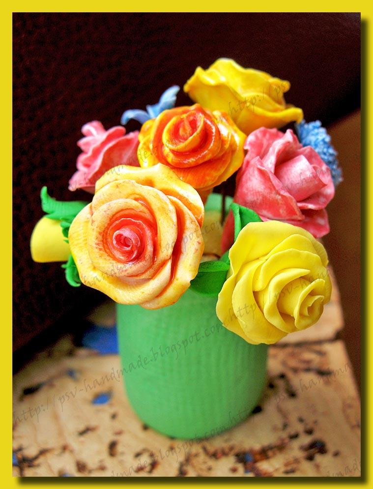 Вазочка с цветами из полимерной глины
