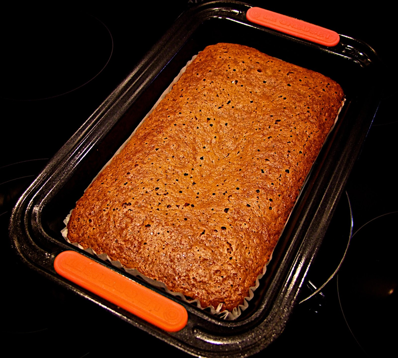 The Cakes and Bakes Den: Sticky & Squidgy (and low fat) Malt Loaf