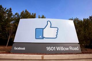 Facebook met son pouce au placard