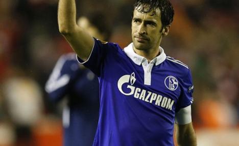 Raul addio Schalke