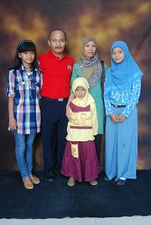 Dwi Cahyo Purnomo dan Keluarga