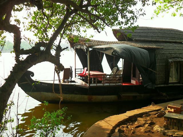 прогулочная лодка в Индии