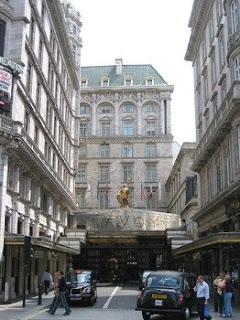 Savoy Court, Inggris
