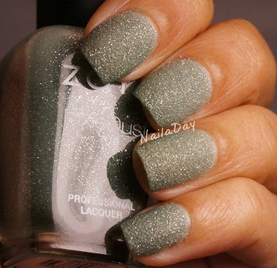 NailaDay: Zoya Vespa
