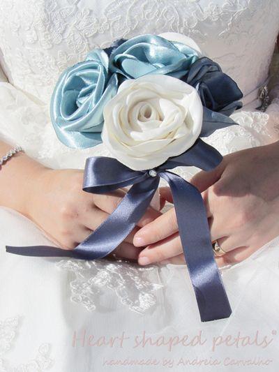 Toss fabric bouquet roses
