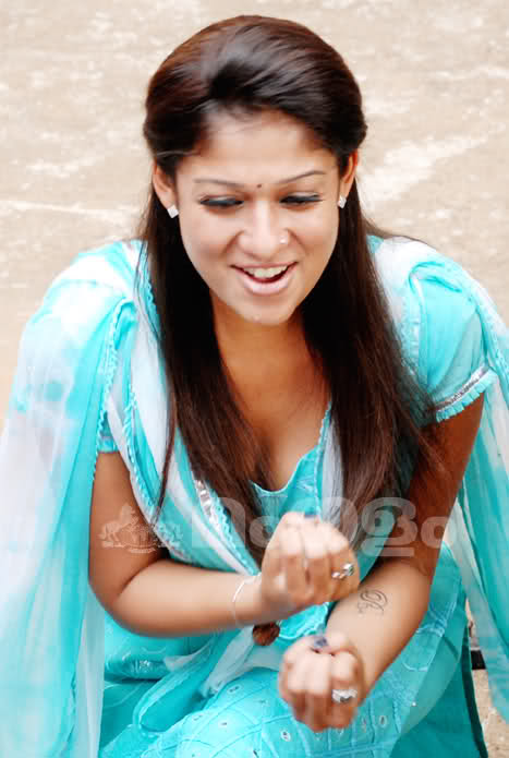 http://2.bp.blogspot.com/-3UxeKcikVqA/TaJleTTo8XI/AAAAAAAAHWs/zgRpe6xE53Y/s1600/Nayanthara%2B3.jpg