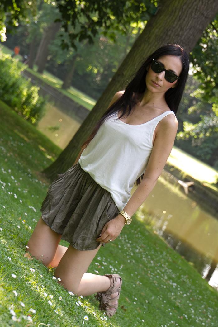 Zara Khaki shorts