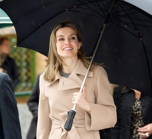 princess letizia of spain wedding dress. The princess supports Spanish