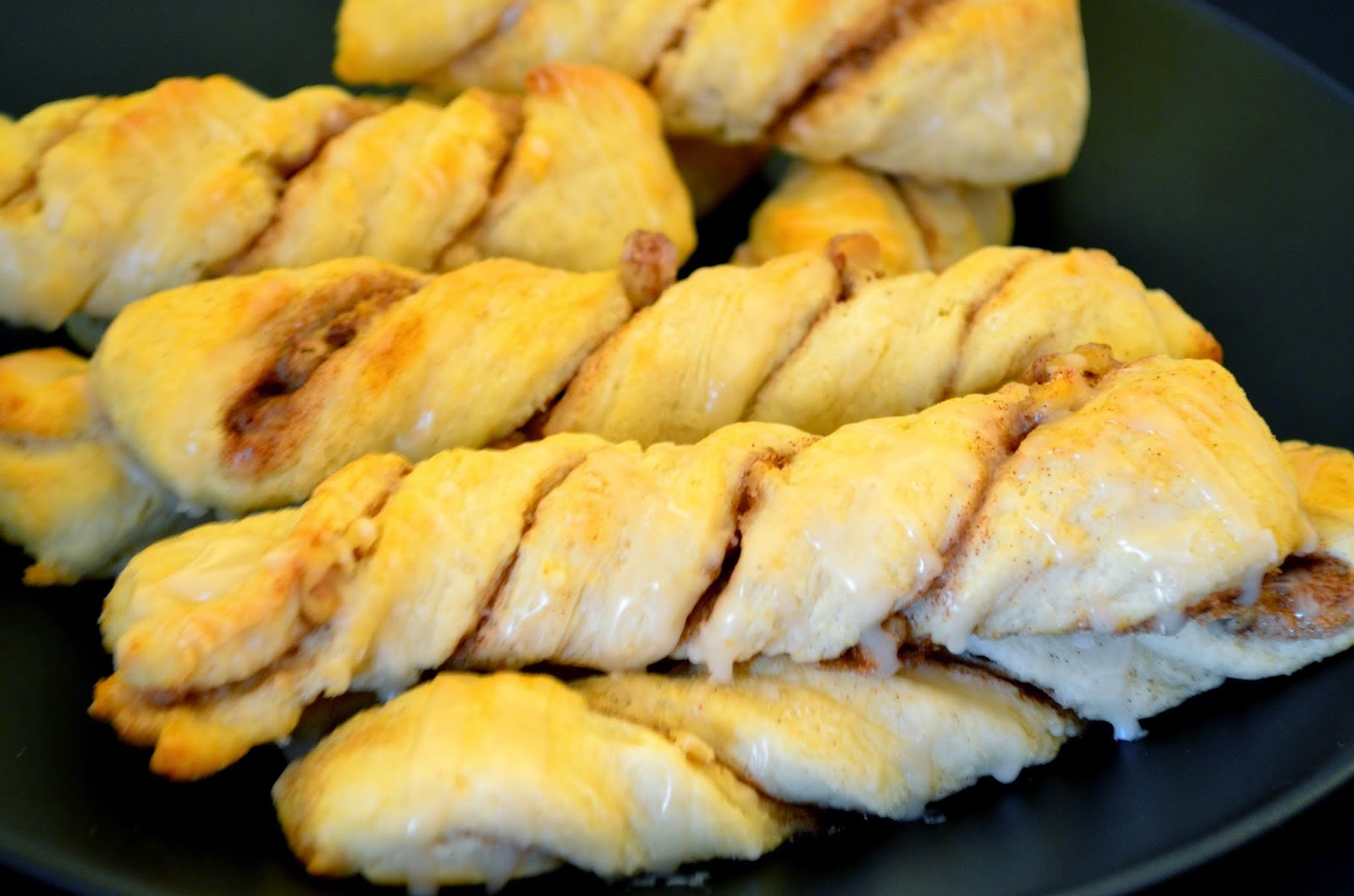 Featured Recipe | Cinnamon Pecan Biscuit Twists from Searching For Dessert #SecretRecipeClub #recipe