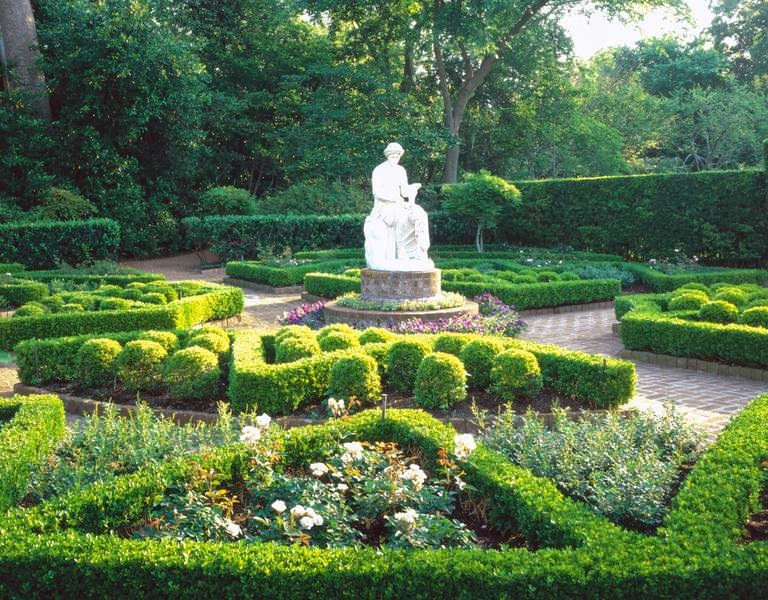 The Sassy Countess Historic Estates And Grand Lifestyles Beautiful Busts And Other Statues