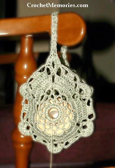 Crochet Memories Blog: Double Strand Thread Holder
