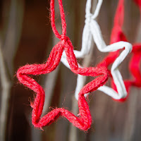 http://www.handsonworkshop.com.au/diy-tutorial-string-stars-and-shapes-christmas-decorations/