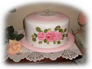 Pink and White Cake Carrier
