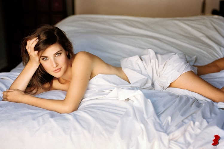 Cobie Smulders posa para Maxim, Robin Scherbatsky de 'Como conocí a vuestra madre'