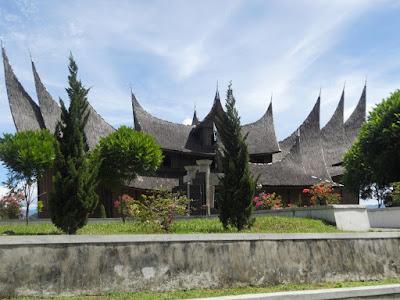 Pagaruyung Palace West Sumatera Indonesia, istano basa pagaruyung, visit, travel, tourism