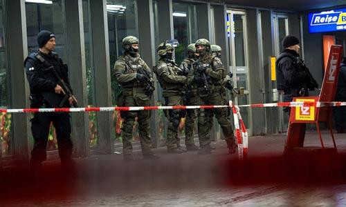 Munich evacuates stations