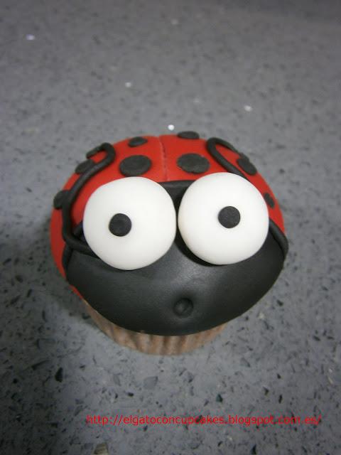 cupcakes mariquita fondant