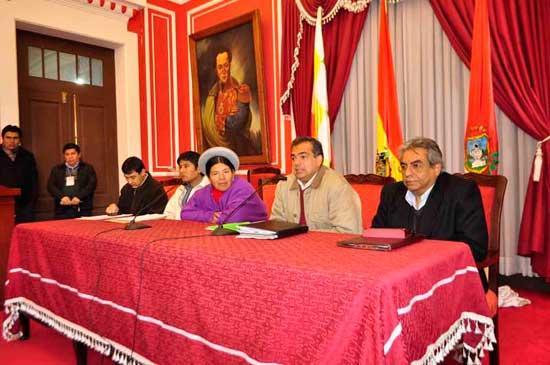 Grupo de secretarios dirigirán el negocio de la Exposur 2013