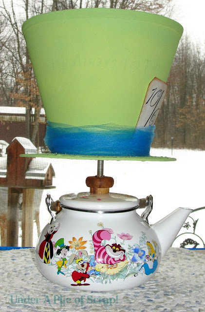 Alice in Wonderland Tea Party Lamp
