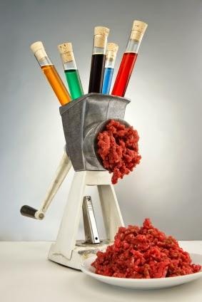 Пищевые добавки ждут нас везде, в том числе и в мясе и мясном фарше