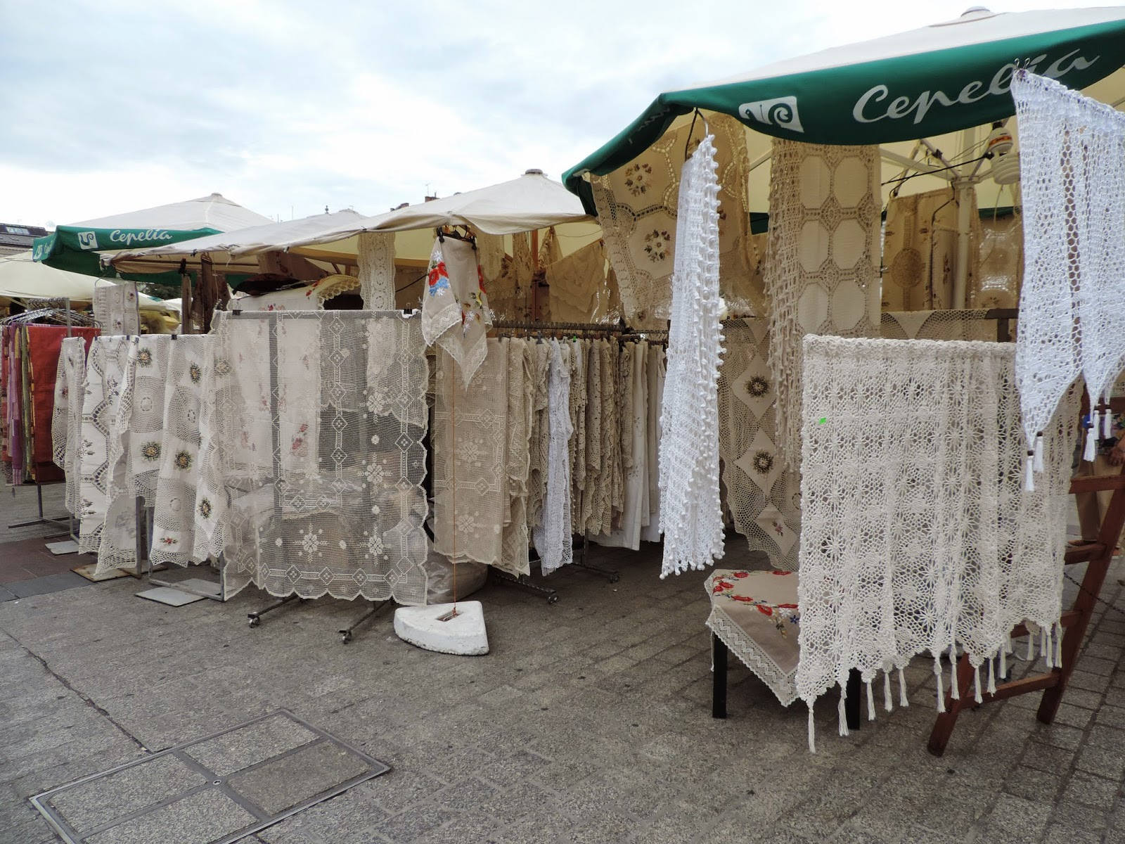 "Festiwal ""Cepelia"" - koronki | The Cepelia festival's fair (laceworks)"
