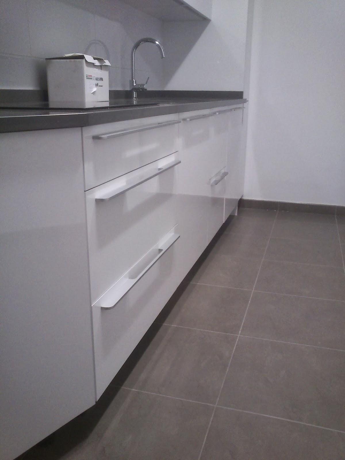 Tirador Cocina | Sergio Vivas Carpintero Colocacion De Cocina De Alta Gama En