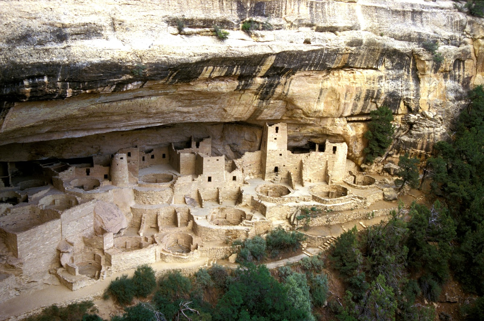 mesa verde Mesa verde national park is an american national park and unesco world  heritage site located in montezuma county, colorado it protects some of the.