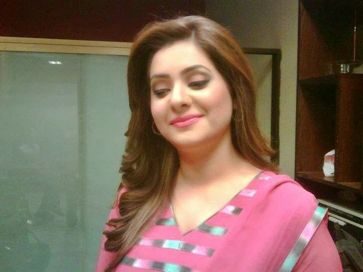 Iqra Shahzad Hot Pictures