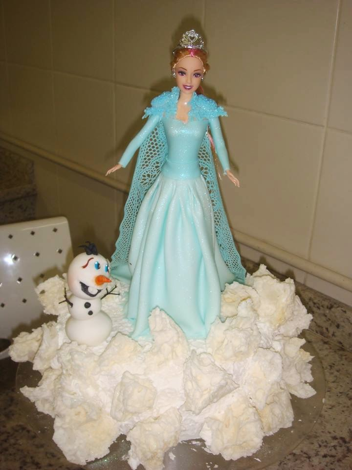 Bolo Frozen decorado finamente - Receita do Bolo Frozen (fácil)