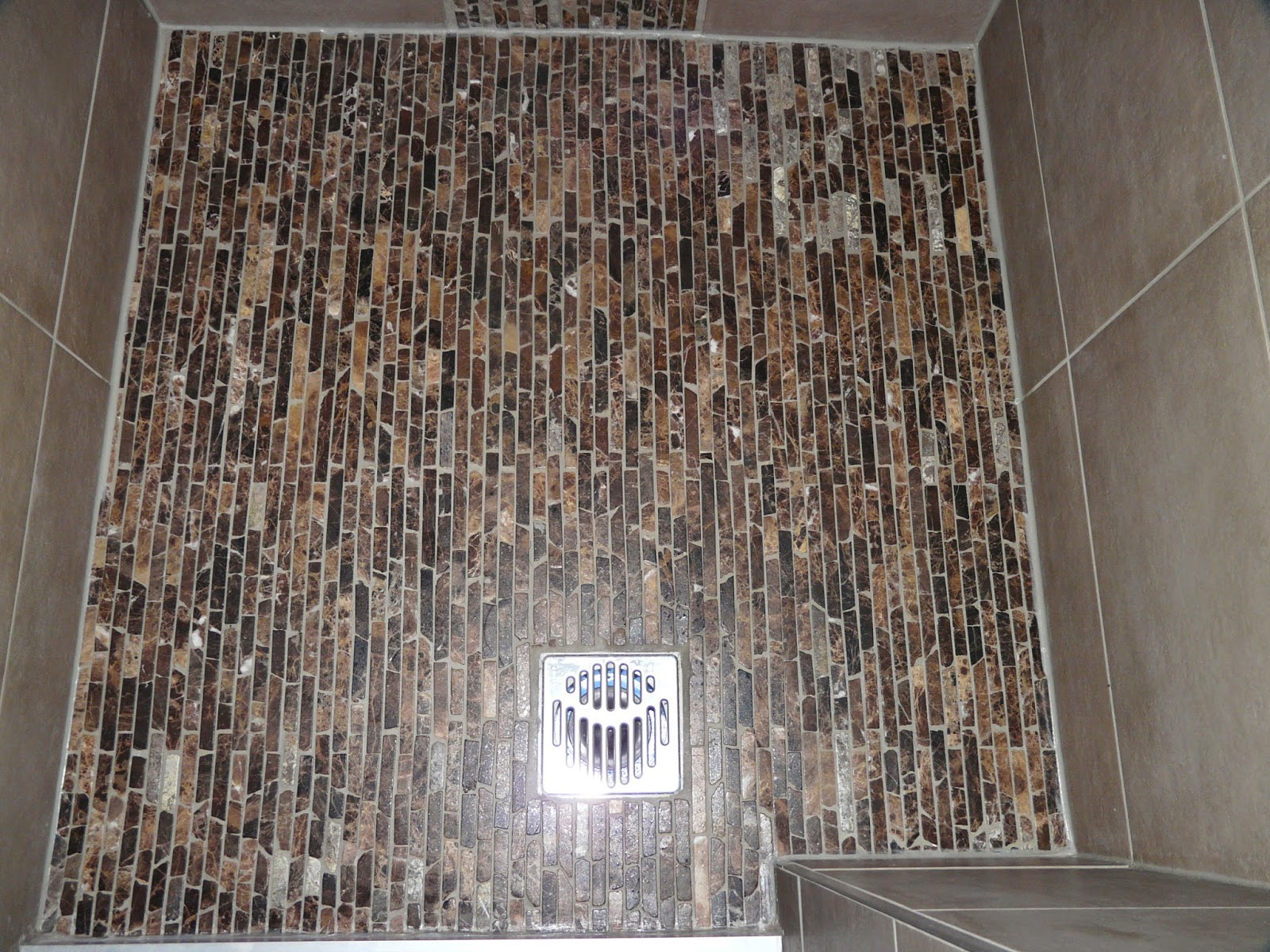 Dusche Bodengleich Gefliest : dusche ist bodengleich duschbereich bis oben gefliest