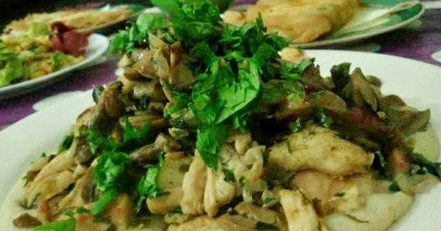 Les doigts de beya escalope de poulet au champignon avec sauce blanche - Comment faire de la sauce blanche ...