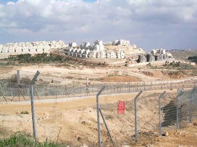 Israel pune palestinos com novos assentamentos e corte de verbas por entrada na Unesco