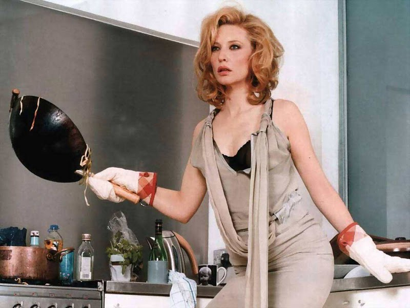 Cate blanchett biography and photos girls idols for Naked in kitchen pics