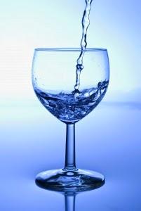 Un pahar cu apa