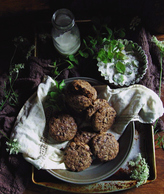 Sir Thomas Sharpe's dark chocolate mint cookies :: une gamine dans la cuisine  #CrimsonPeak