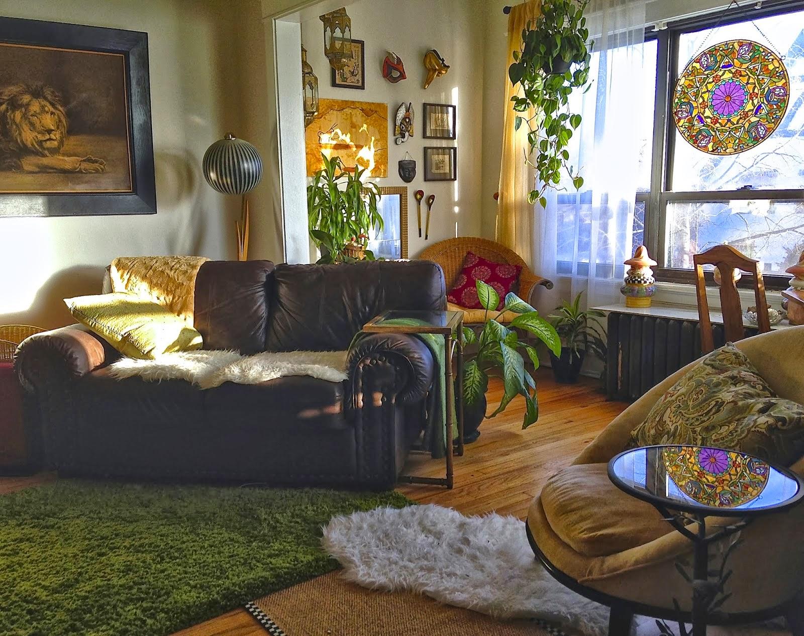 Bohemian-Plant-Filled-Livingroom
