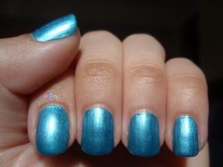 Vernis à ongles : vos marques et couleurs favorites !  - Page 17 Beach+bum+blu+3