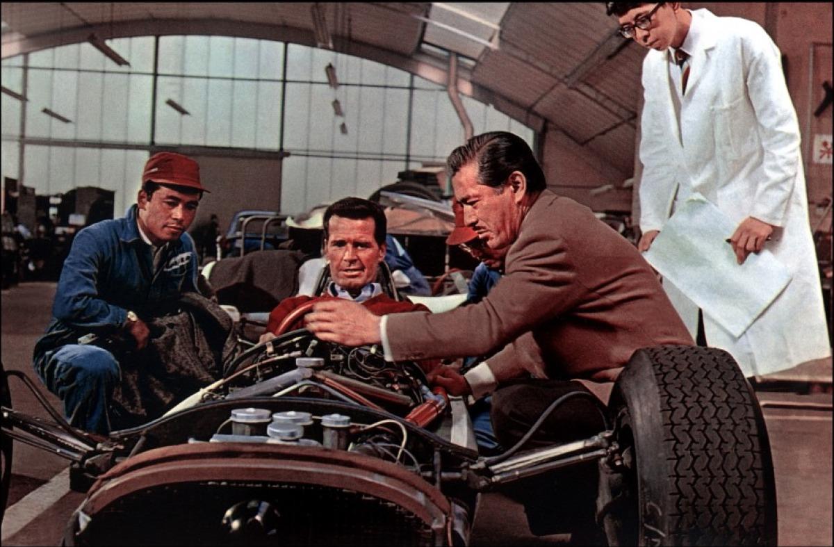 http://2.bp.blogspot.com/-3YpqaGfRuBo/Tym_RTcwEdI/AAAAAAAABVU/NAL7_XXPFwo/s1600/grand-prix-1966-05-g.jpg