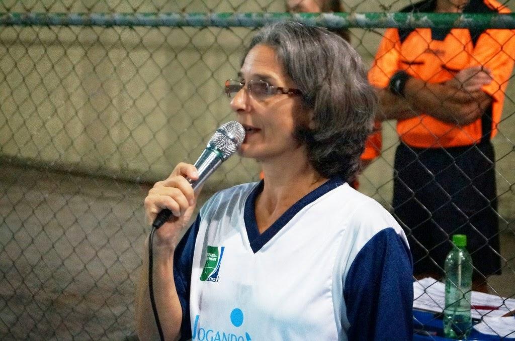 A coordenadora do projeto, Maria Lucia Tafuri, ressalta a importância do futebol como ferramenta social