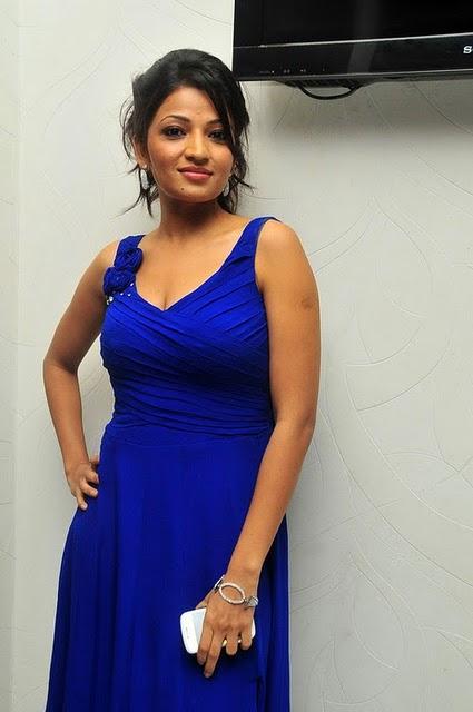 Anusha Jain Upcoming New Telugu Actress Latest Celebrity Photos wallpapers